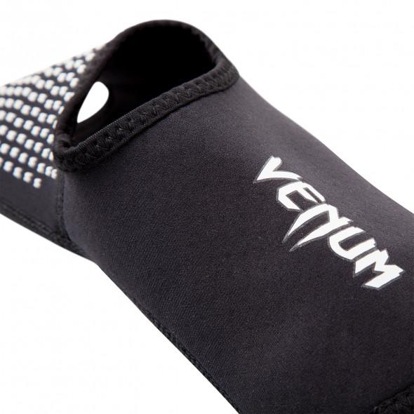 "Venum ""Kontact Evo"" Foot Grips - Black"