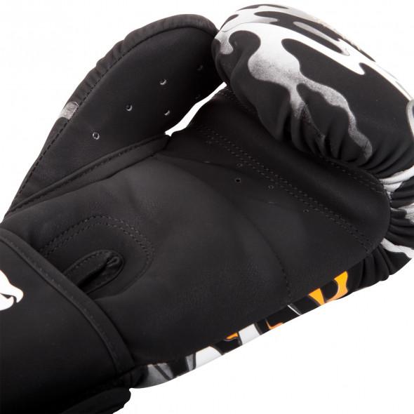 Venum Dragon's Flight Boxing Gloves - Black/White