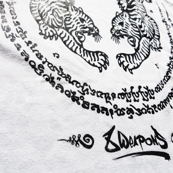 T-shirt 8 Weapons Sak Yant Tigers Muay Thai - Blanc