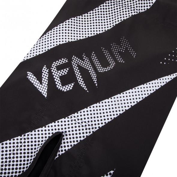 Venum Jaws Fightshorts - Black