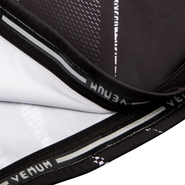 Venum Minotaurus Rashguard - Short Sleeves - Black/White