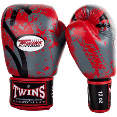 Boxing Gloves Twins Breaking Point