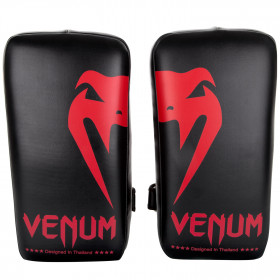 Venum Giant Kick Pads - Black/Red